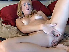 Hot sexy nasty mature milf plays