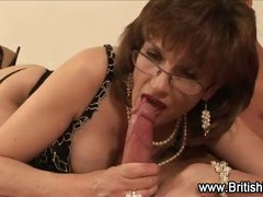 Mature brit Lady Sonia in stockings