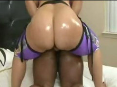 Pinky and Mz booty 2