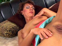 Mature woman Chelsea shows every inch of her sexy body.