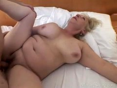 Curvy mature hardcore sex and a nice cumshot
