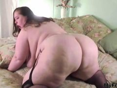 Ssbbw Showing Her Sexy Round Body