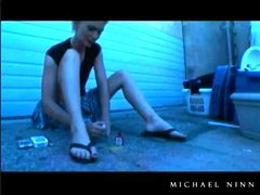 Pornstar chats and smokes outdoors like a hottie