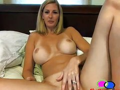 Nice Titties MILF Masturbating