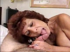 Mature brunette takes cock in mouth and then sits to get plowed